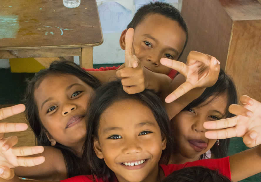 Filipino children smiling